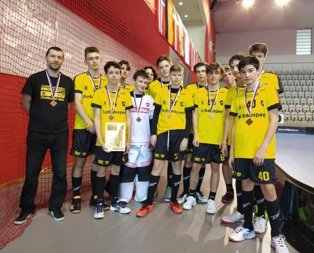 Dorostenci bronzoví na Prague Floorball Cupu!