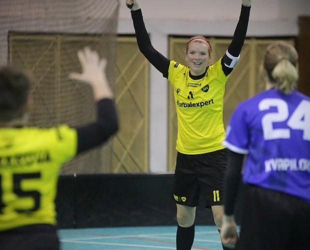 Ladies zvládly souboj o 1. místo a zdolaly boleslavskou akademii v prodloužení